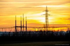 Strommast bei Sonnenuntergang