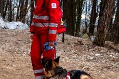 Hundeführerin mit Ihrem Suchhund